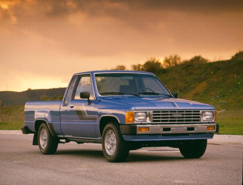 Toyota Hilux czwartej  generacji /