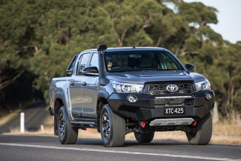 Toyota Hilux Rugged /