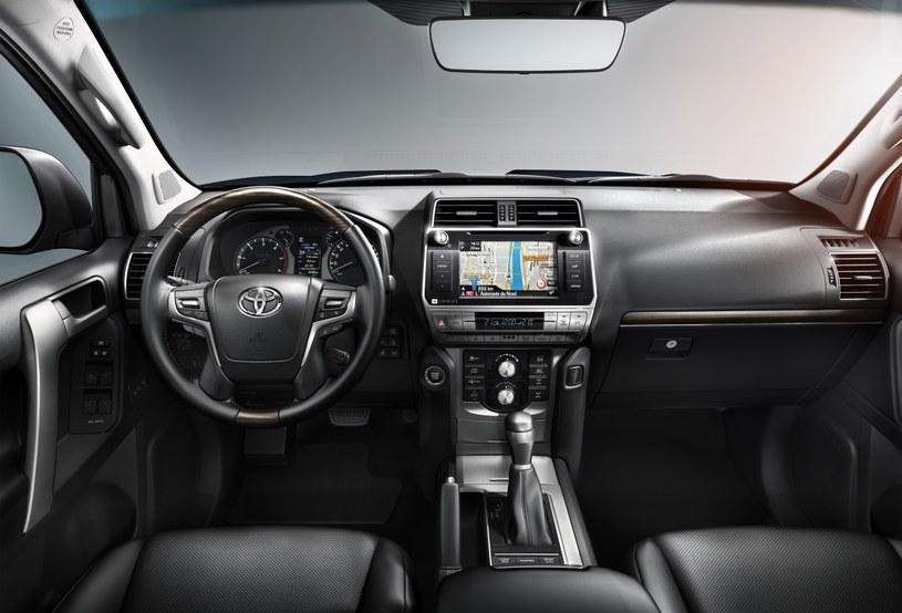 Toyota Land Cruiser /