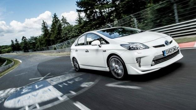 Toyota Prius Plug-In TRD /Toyota