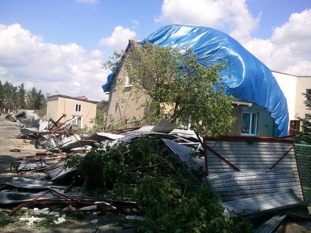 Trąba powietrzna zrywała dachy... /INTERIA.PL