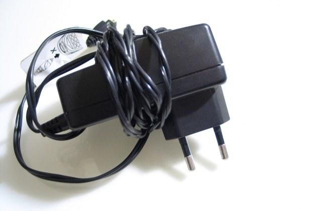 Tradycyjne ładowarki mogą zostać zastąpione przez urządzenia bezprzewodowe Fot. Carlos Paes /stock.xchng