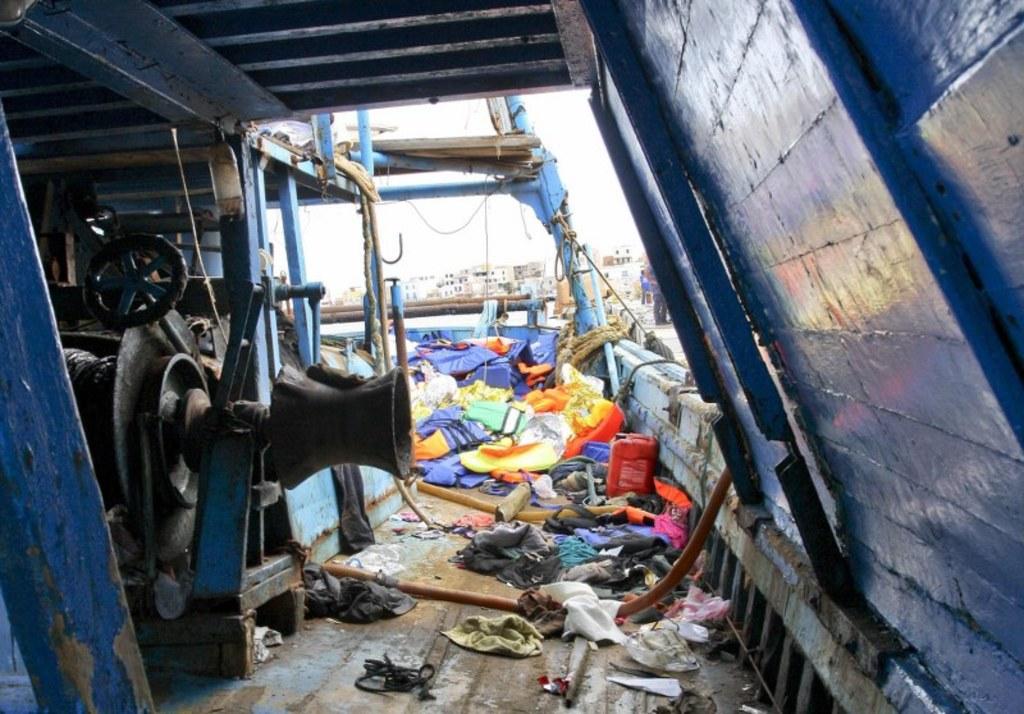 Tragedia na morzu [kilknij po więcej zdjęć] //PAP/EPA