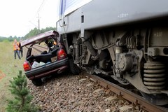 Tragedia na niestrzeżonym przejeździe kolejowym
