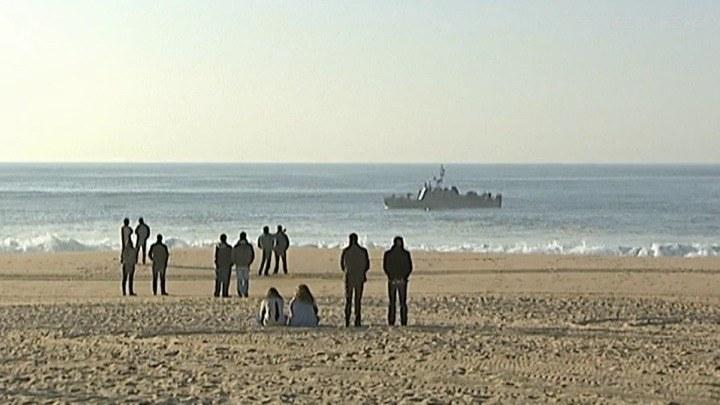 Tragedia na plaży w Portugalii. Fala porwała studentów /TVN24/x-news