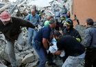 Tragiczny bilans trzęsienia ziemi wciąż rośnie. Matteo Renzi informuje