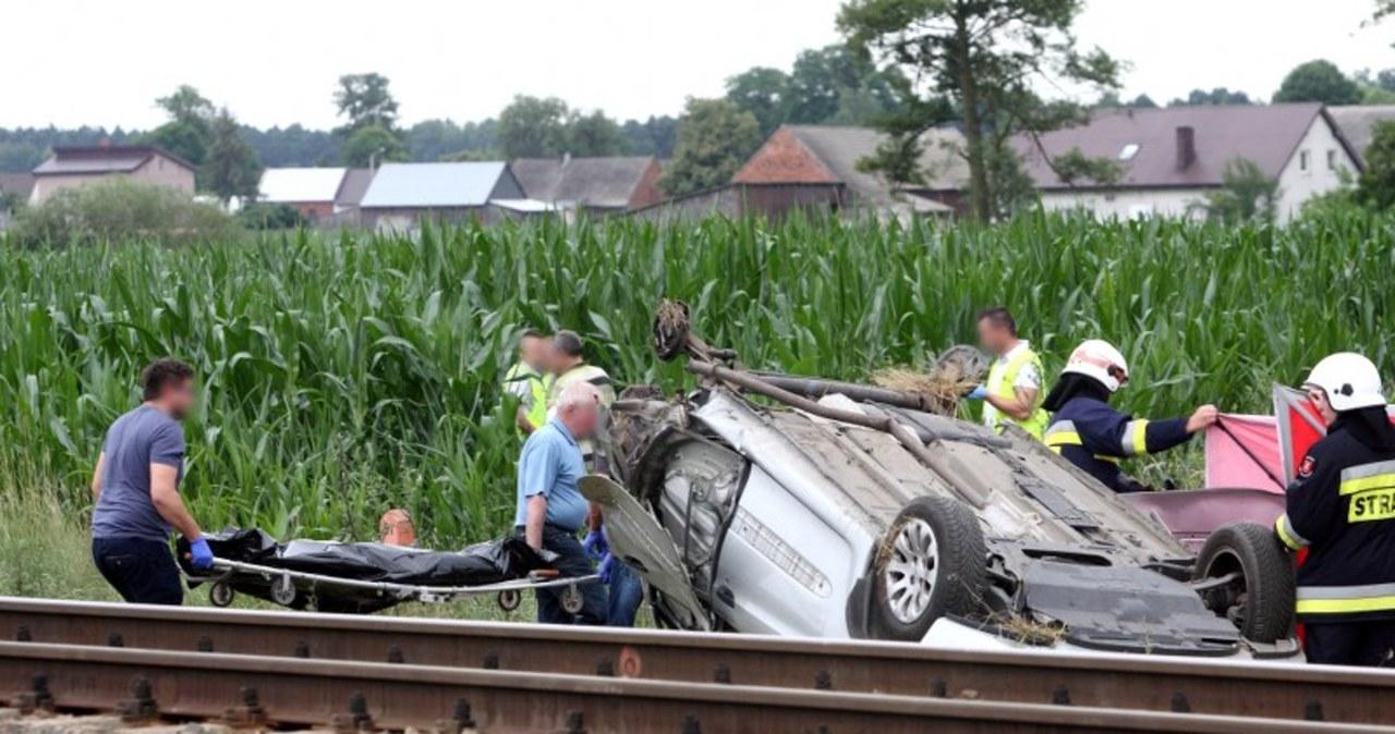 Tragiczny wypadek na przejeździe kolejowym w Niedźwiedziu