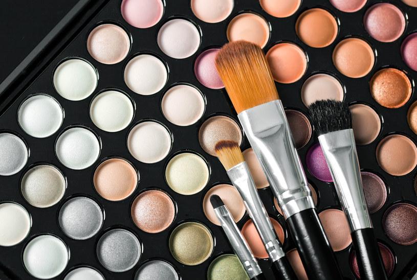Trendy makijażowe na jesień /123RF/PICSEL