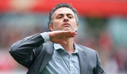 Trener Chelsea Jose Mourinho nie miał powodów do satysfakcji /AFP