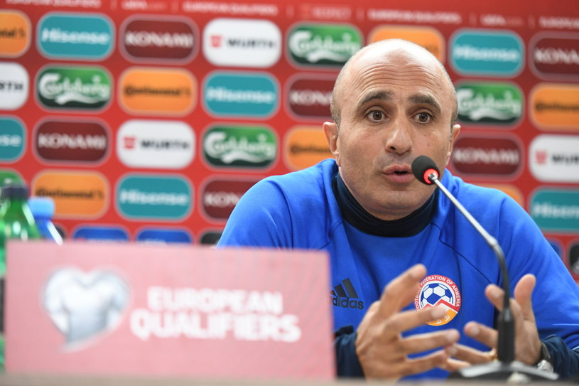 Trener piłkarskiej reprezentacji Armenii Artur Petrosjan /Bartłomiej Zborowski /PAP