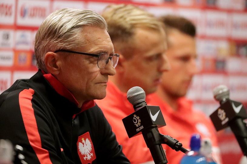 Trener piłkarskiej reprezentacji Polski Adam Nawałka podczas konferencji prasowej w Warszawie /Bartłomiej Zborowski /PAP