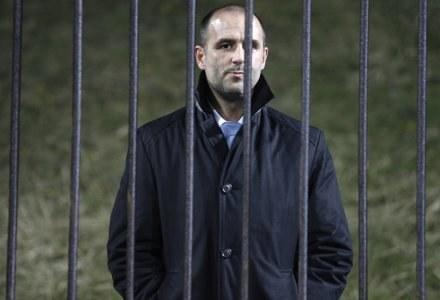 Trener Probierz oglądał mecz z trybun. FOT. Andrzej Grygiel /AFP