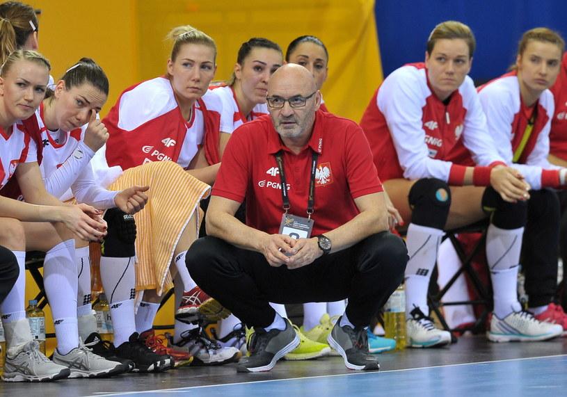 Trener reprezentacji Polski piłkarek ręcznych Leszek Krowicki /Fot. Marcin Bielecki /PAP