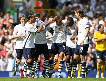 Trener Tottenhamu uważa, że alkohol nie służy piłkarzom /AFP
