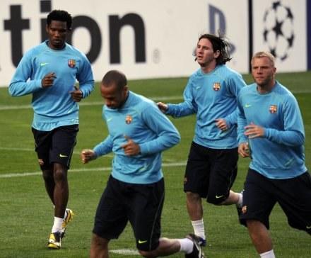 Trening Barcelony przed meczem z Schalke /AFP