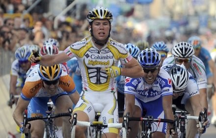 Triumfujący Mark Cavendish /AFP