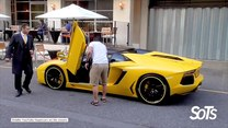 Trudna sztuka wsiadania do Lamborghini