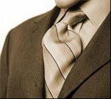Trudno wyobrazić sobie eleganckiego mężczyznę bez krawata /RMF