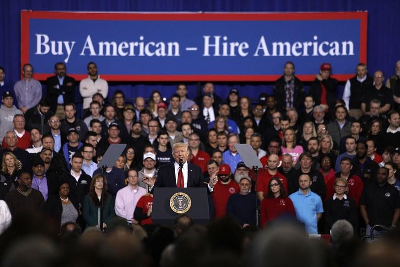 Trump chce, by amerykańskie auta były produkowane dla Amerykanów przez Amerykanów /AFP