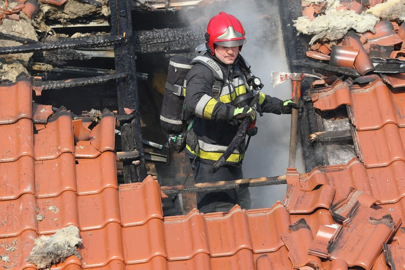 Trwa dogaszanie pożaru, zdjęcie ilustracyjne /Piotr Jędzura /Reporter