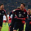 Trwa mecz Augsburg - Bayern Monachium. Lewandowski w akcji NA ŻYWO