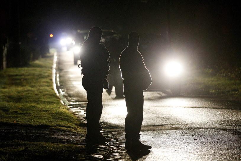 Trwa obława na sprawców zamachu w Paryżu /PAP/EPA