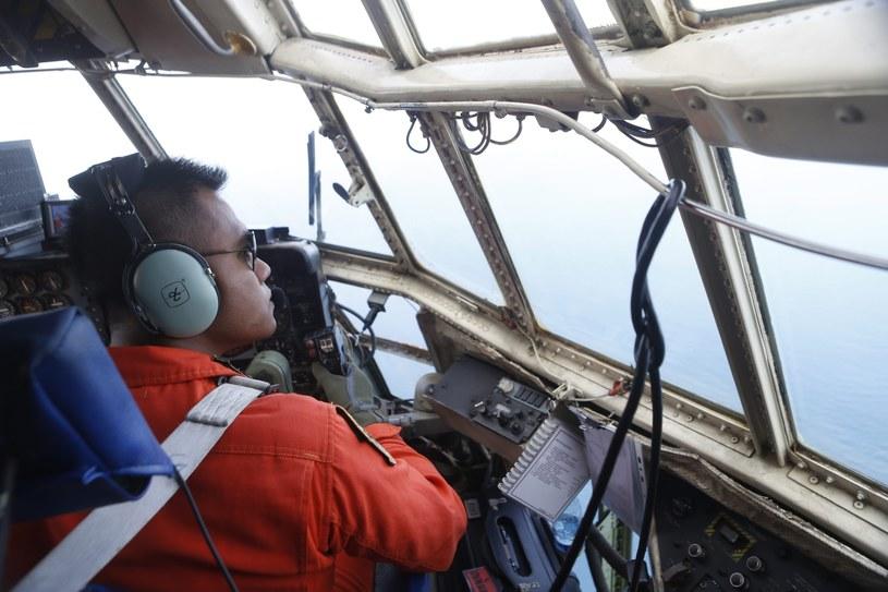 Trwają poszukiwania zaginionego samolotu /PAP/EPA