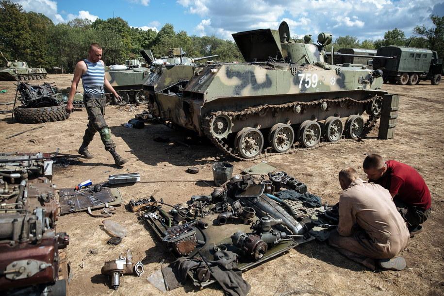 Trwają zacięte walki na wschodzie Ukrainy /ROMAN PILIPEY /PAP/EPA