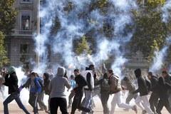 Trwające od tygodnia strajki paraliżują Francję