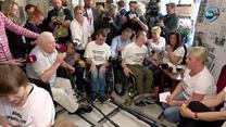 """""""Trzeba jak najszybciej tych ludzi odsunąć od władzy"""". Lech Wałęsa krytycznie o PiS na spotkaniu z protestującymi w Sejmie"""