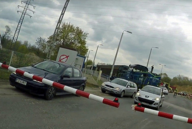 Trzech kierowców zatrzymanych przez rogatki, z czego dwóch zupełnie się tym nie przejmuje /