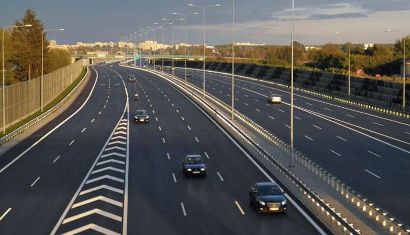 Trzy pasy w każdą stronę na autostradzie A2. Możliwe, że powstaną... /
