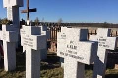 Tu leżą zamordowani Polacy zamordowani przez sowietów we wrześniu 1939 roku