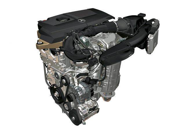 Turbodoładowany silnik o pojemności 1,6 l ma bezpośredni wtrysk i rozwija moc 156 KM. Połączono go z dwusprzęgłową skrzynią. /Mercedes