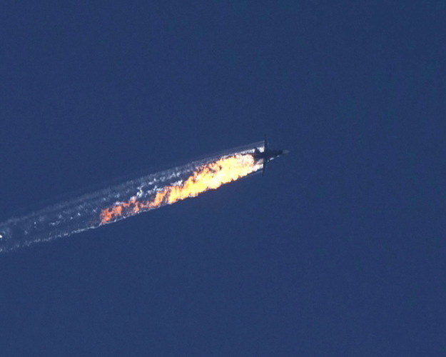 Turcja zestrzeliła rosyjski bombowiec Su-24 /PAP/EPA