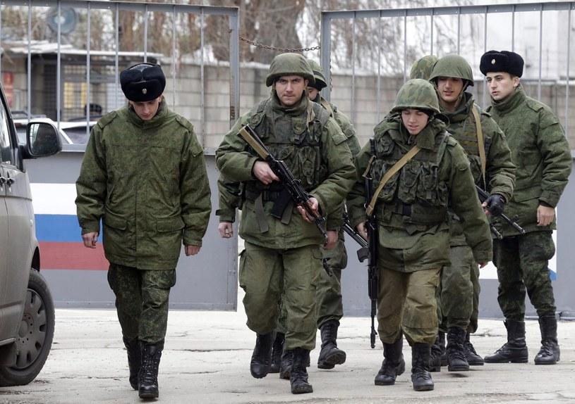 Turczynow podkreślił, że obecność wojskowa Rosji na półwyspie stale się zwiększa. /MAXIM SHIPENKOV    /PAP/EPA