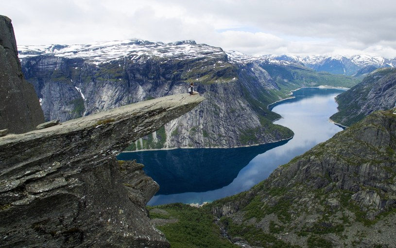 Turyści najczęściej wybierają się do Norwegii, by podziwiać zachwycające fiordy /Tore Meek / NTB scanpix  /FORUM