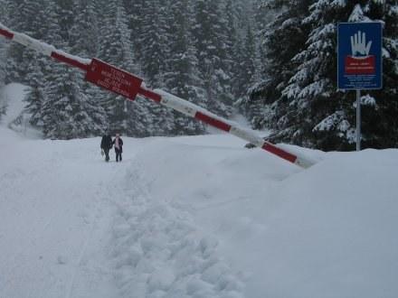 Turyści w Tatrach łamią wszelkie zakazy/fot. M. Pałahicki /RMF
