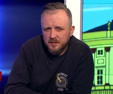 """TVP oburzona """"skandalicznymi wypowiedziami"""" na antenie Superstacji"""
