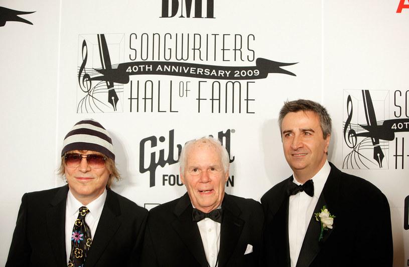 """Twórcy """"Hair"""": James Rado, Galt MacDermont i i syn Geremy'ego Erick Ragni w 2009 r., fot. Jemal Countess / Staff /Getty Images"""