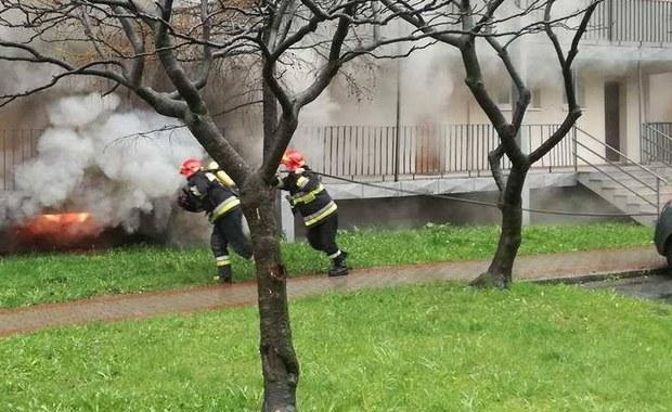 Tychy: 30 osób ewakuowanych po pożarze