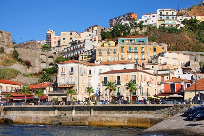 Tydzień po pierwszej turze wyborów samorządowych w mieście Crotone w Kalabrii trwa jeszcze liczenie głosów /Tomas Marek /123RF/PICSEL