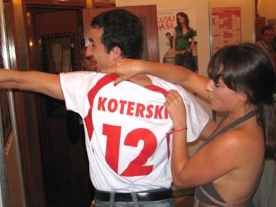 Tym razem to Michał Koterski prezentuje swoje plecy /INTERIA.PL