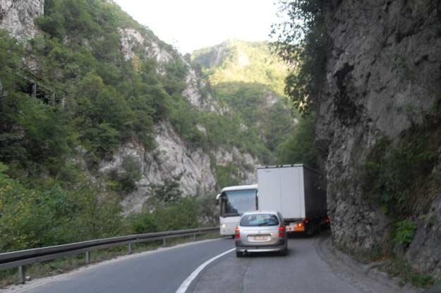 Typowa droga Czarnogóry... /