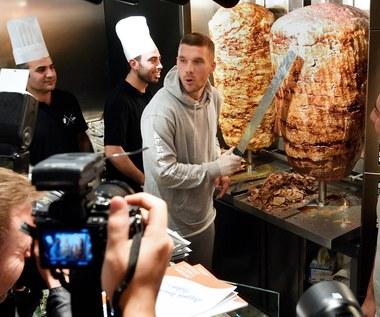 Tysiąc gości przyszło skosztować kebaby Lukasa Podolskiego