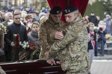 Tysiące osób na pogrzebie zabitego policjanta