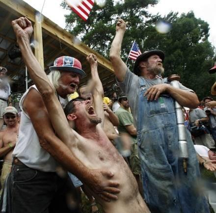 """Tzw. """"rednecks"""", przedstawiciele środowisk konserwatywnych z południowych stanów USA /AFP"""