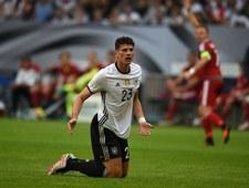 U nas miesiąc trzeźwości. Niemcy: 126 darmowych beczek piwa na meczu Schalke