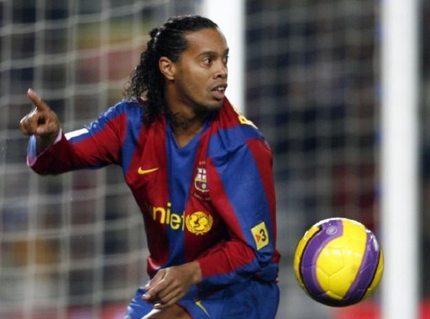 U szczytu popularności... Ronaldinho w barwach FC Barcelony /AFP