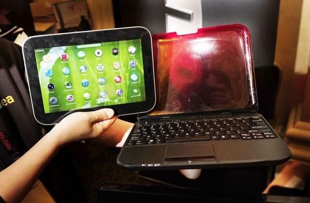 U1 - czyli smartbook Lenovo, odpowiedź na iPada. Jednak na razie sprzęt ten nie jest popularny /AFP